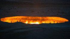 사막 한가운데 '지옥의 문'…정말 지옥으로 통할까