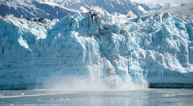 """예측 능가한 빙하 유실 속도, """"매년 알프스 산 3개 정도 녹아내린다"""""""