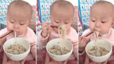 누리꾼들 사이서 귀엽다고 유명한 '젓가락 신동' 아기의 진짜 정체