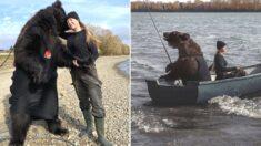 불곰 구해준 뒤 반려동물로 입양해 같이 낚시 다니는 러시아인 클래스
